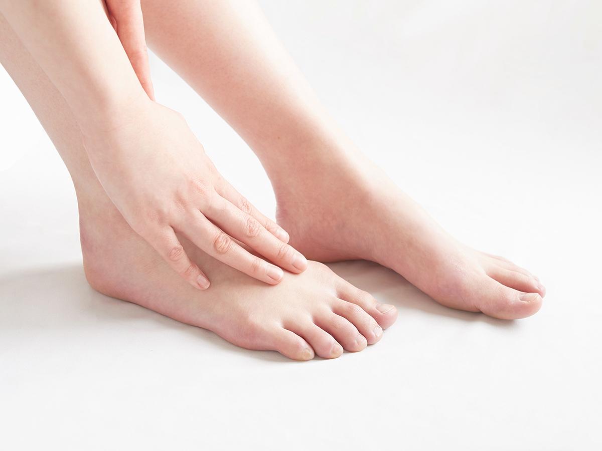 足の乾燥・ヒールの痛みなどのイメージ